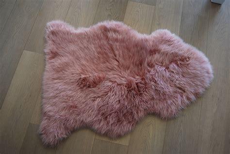 dusky pink rug buy a dusky pink sheepskin at nordic sheepskin