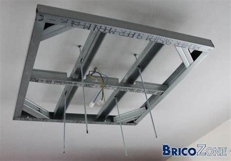 spots dans plafond suspendu
