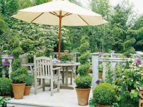 Small Potted Deck Plants Plantscaping A Deck Or Patio Outdoor Spaces Patio