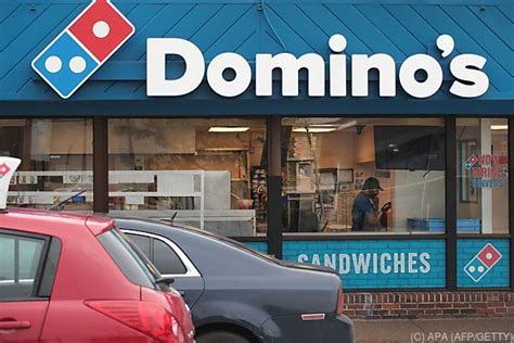 domino pizza wien us kette domino s pizza mit gro 223 en pl 228 nen f 252 r wien vol at