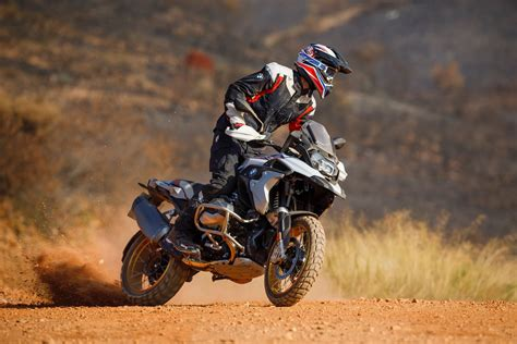 bmw   gs unveiled  variable timing  fast