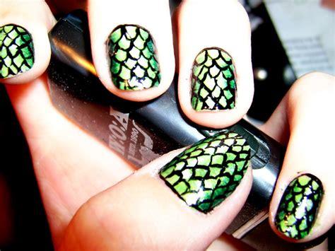 snake pattern nails 25 super cute animal print nail ideas entertainmentmesh