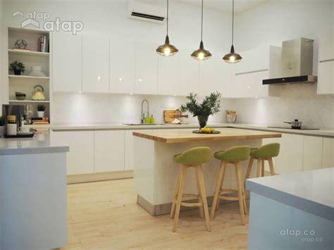 modern kitchen cabinet designs by malaysian interior