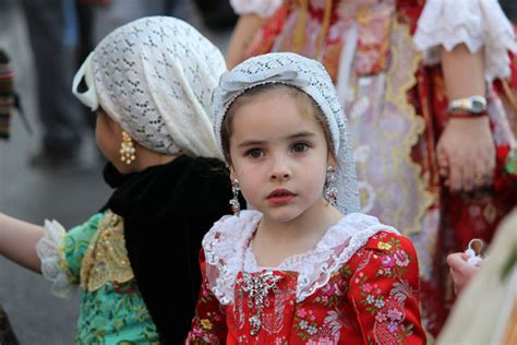 traditional spanish hair styles traditional hairstyle in spain 25 best ideas about