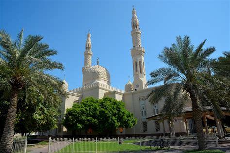 dove soggiornare a dubai moschea di jumeirah a dubai fidelity viaggi