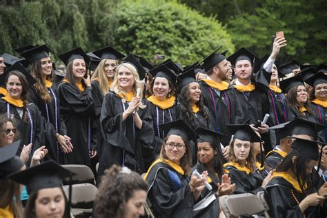 Georgetown Mba Admitted Students Weekend by Georgetown Graduates Thousands Of Students During