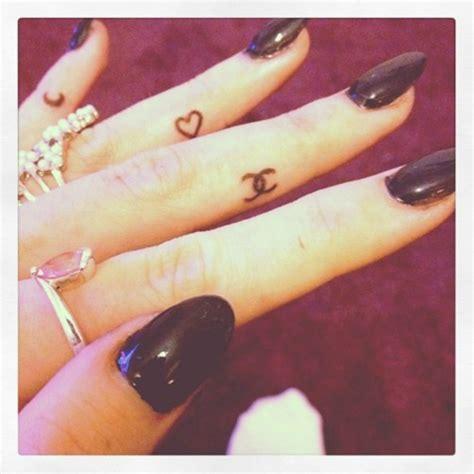 finger tattoo logo chanel logo finger tattoos for girls tattooideaslive com