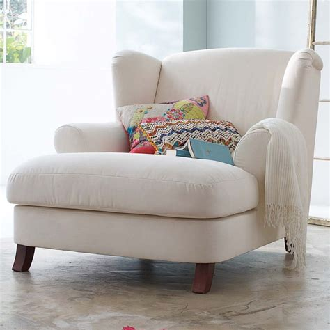 comfy reading chair best 25 comfy chair ideas on pinterest reading chairs