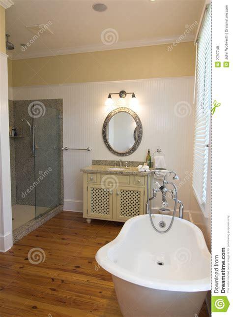 stanze da bagno di lusso stanza da bagno di lusso semplice fotografia stock