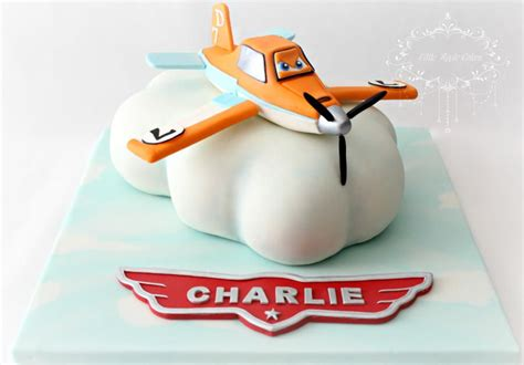 dusty crophopper cake dusty crophopper planes cake cake by apple