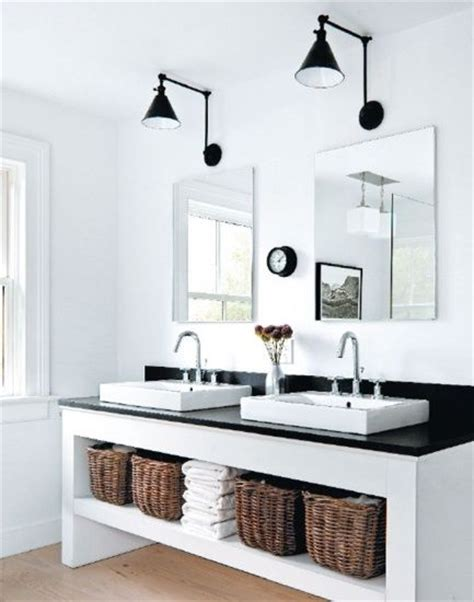 contemporary cottage decor tegen de regels in in de badkamer roomed