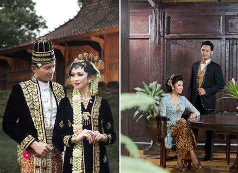 foto pengantin jawa beludru hitam jas atau beskap untuk pengantin pria weddingku