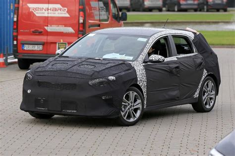 Kia Ceed New Kia Cee D Spied More Details Coming After Frankfurt Motor