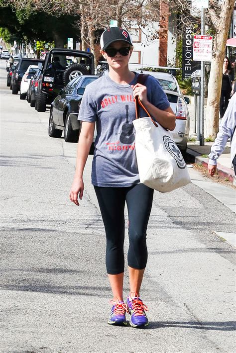 Reese Witherspoon Diet And Workout by Reese Witherspoon Diet Reese Witherspoon Exercise