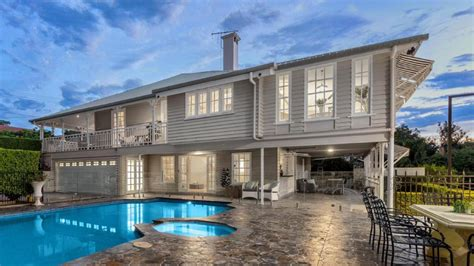 renovated queenslander valhalla at ascot his hit the