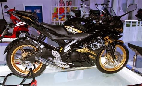 r15 motorsycle in 2014 model the yamaha r15 version 3 to be launched late 2014 autopromag