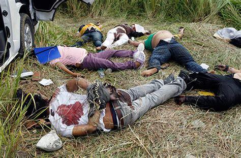 imagenes fuertes de narcos asesinados m 225 s de 28 000 muertos en m 233 xico desde 2006 por violencia