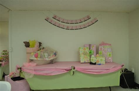 Baby Shower Table Cloths by Gifts Table Layered Table Cloths Pink And Green