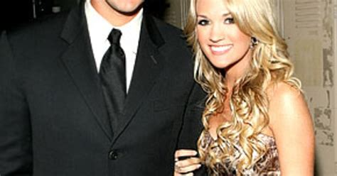 Carrie Underwood Isnt Into Cowboys by Carrie Underwood Tony Romo Quot Did Me Wrong Quot Us Weekly