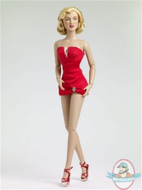 Best Quality Selotip Metalic Pola marilyn as pola debevoise doll by tonner of