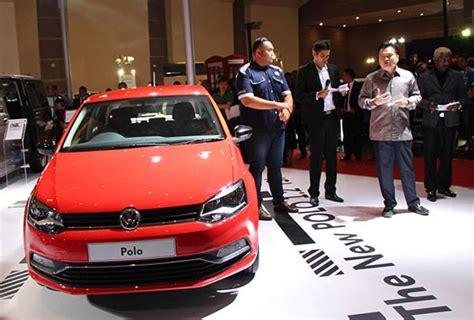 Cover Mobil Volkswagen 2 Garis Selimut Mobil Volkswagen vw polo jadi mobil vw termurah di indonesia mobil123 portal mobil baru no1 di indonesia
