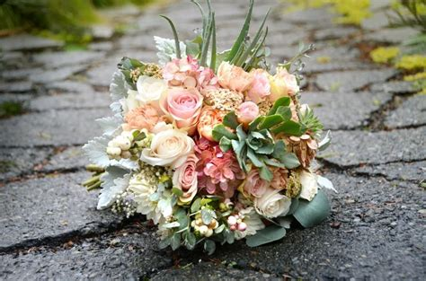 Fresh Flower Wedding Bouquets by Fresh Flower Bridal Bouquet Exle Only For Local Brides