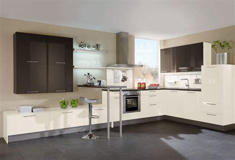 farbige küchenfronten wohnzimmer tapeten schwarz wei 223