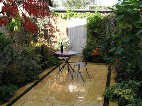 Small Courtyard Garden Design Ideas 25 Beautiful Small Courtyard Gardens Ideas On Small Courtyards Patio Courtyard