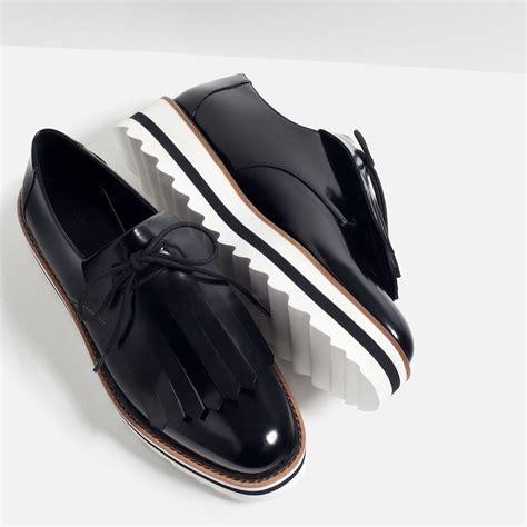 zara flat shoes zara fringed flat shoes in black lyst