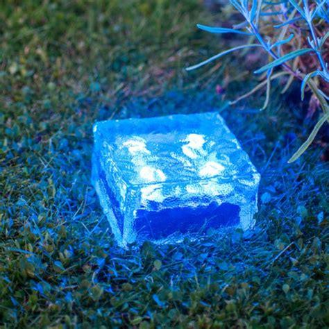 Charmant Lampes Solaires Pour Jardin #1: lampes-solaires-de-jardin-lampes-solaires-led.jpg