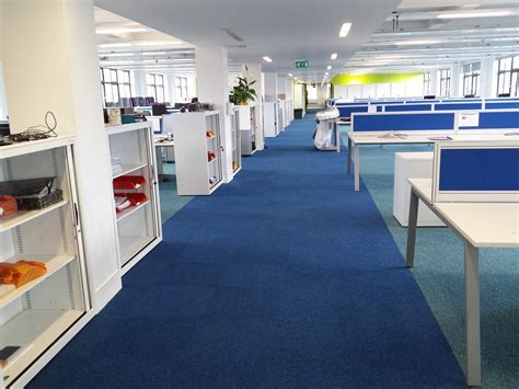 Blue Carpet Office Design   Carpet Vidalondon
