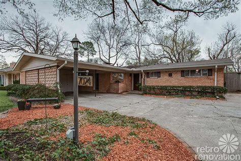 1956 Dallas time capsule house with Jack 'n Jill bathroom   just 1,500 s.f., but lives large