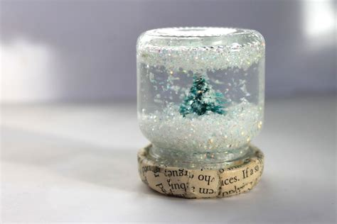 Handmade Snow Globes - blondi make it monday diy snow globe