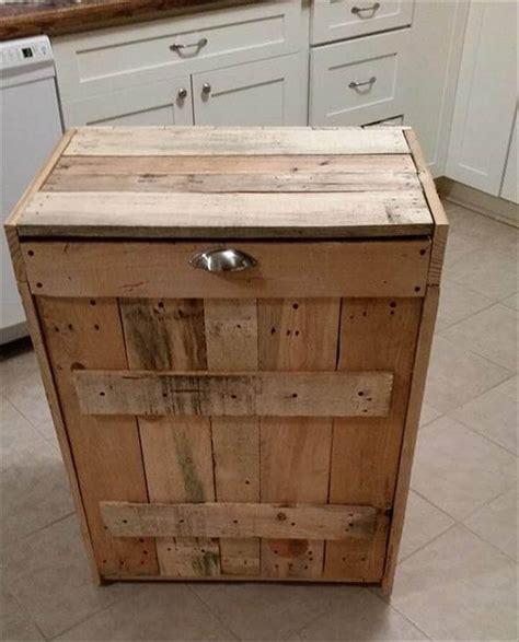 Kitchen Cabinet Trash Can Pallet Kitchen Trash Can Holder 101 Pallet Ideas