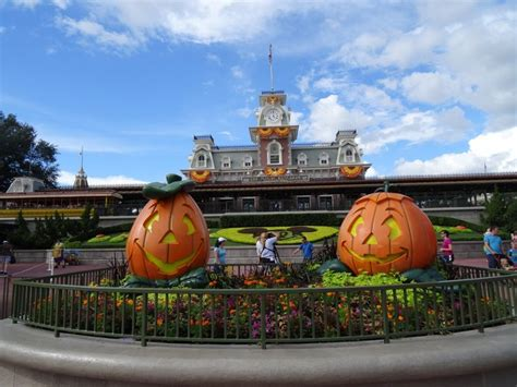 attachment php 502 793 disney theme park review photo tr mickey s not so scary