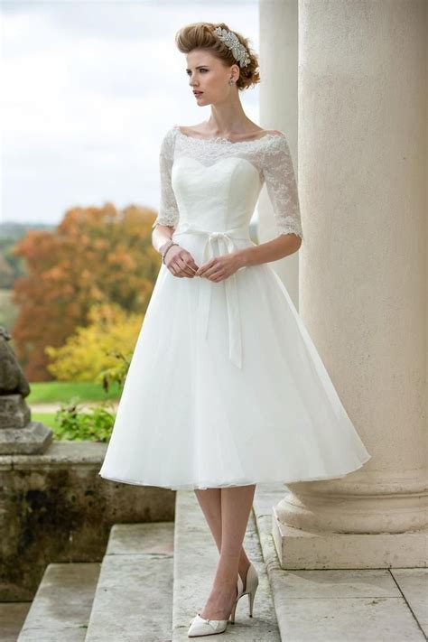 17 Best ideas about 50s Wedding Dresses on Pinterest