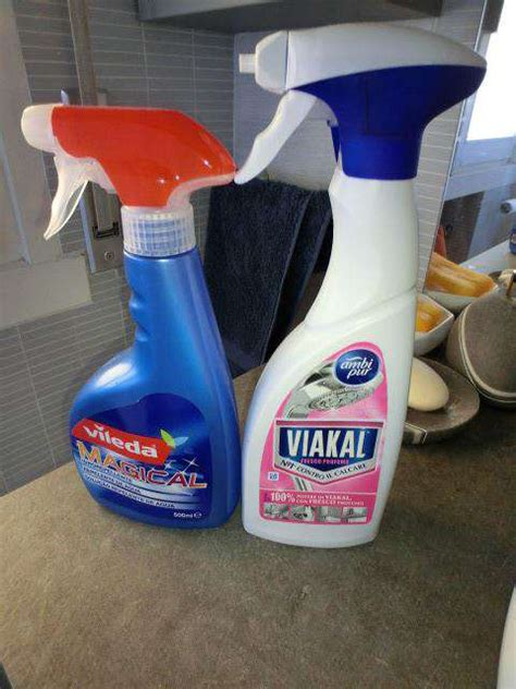 prodotti anticalcare per box doccia prodotti per pulire il calcare e goccioline box doccia