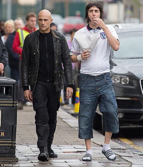 sacha baron cohen grimsby images sacha baron cohen to play grimsby town fan and