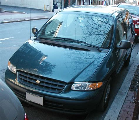 how to work on cars 2000 chrysler voyager navigation system file 2000 chrysler voyager jpg wikimedia commons