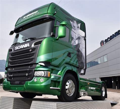 scania finance presenta quot the emerald quot bestmotori it