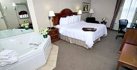 hotels with in room nc hotel rooms with 174 suites tubs excellent vacations