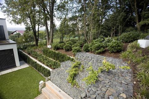 Stone Design hanggarten mit gabionen gestaltet living stone garden