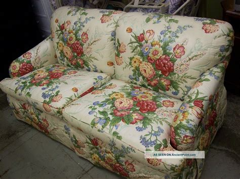 floral couch and loveseat 28 floral sectional sofa pretty floral sectional