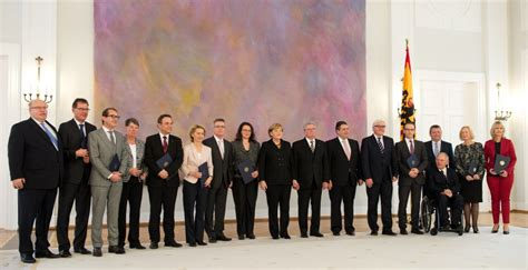 kabinett merkel ii kabinett der gro 223 en koalition legt amtseid ab spiegel