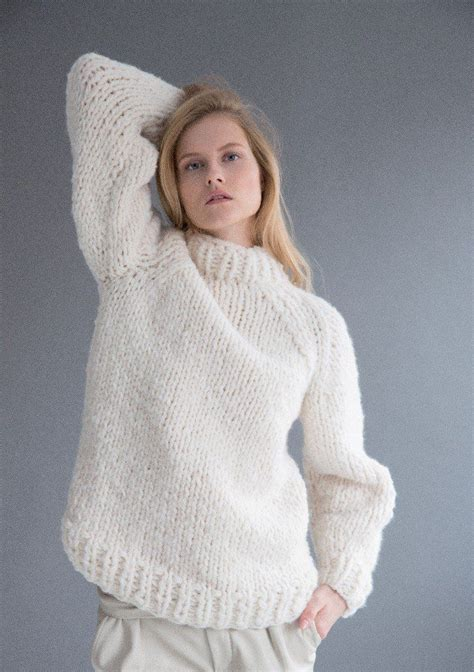 sweater pattern chunky yarn 40 best super chunky knitting patterns images on pinterest