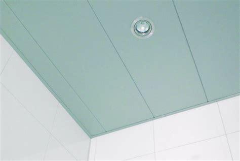 kunstof plafond kunstof plafond badkamer interesse foto aan plafond