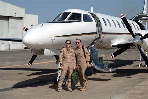 nas sigonella two female pilots nas sigonella women pilots and engaged