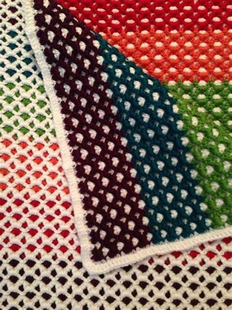 free pattern ocean waves scarf by leslie lewis knit lindacecille s reversible rainbow afghan used pattern
