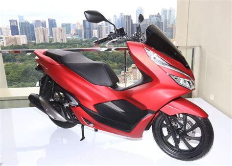 Pcx 2018 Merah Modifikasi by 10 Fitur Honda Pcx Lokal 2018 Yang Bikin Motor Ini Banyak