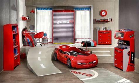 le lit voiture pour la chambre de votre enfant archzine fr